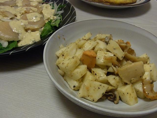 貝ひもと山芋のバター炒め