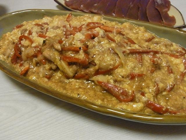 鶏と赤ピーマンの卵白塩麹炒め