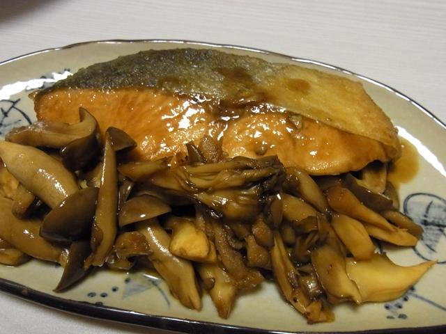 秋鮭ときのこの照り焼き風