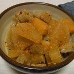 酒場風鶏皮の煮込み・いかと大根葉のごまおろし和え・白菜とツナの塩昆布炒め煮