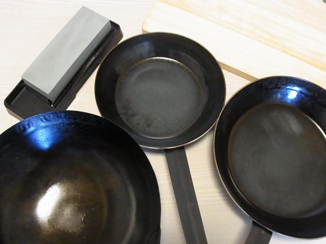 山田工業所打ち出し鉄フライパンと中華鍋