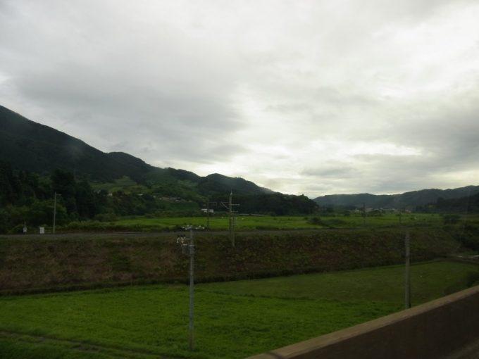東北道碇ヶ関付近の車窓