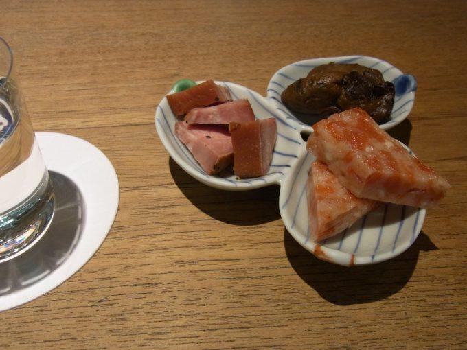 東京駅グランスタ内はせがわ酒店日本酒バーおつまみ三種盛り