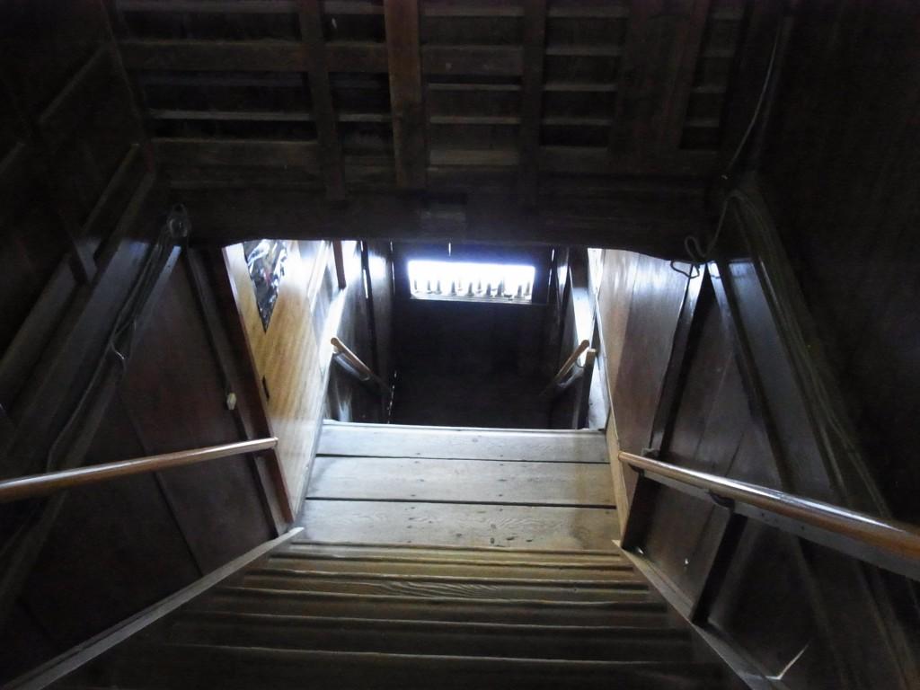塩原温泉明賀屋本館露天風呂への長い階段