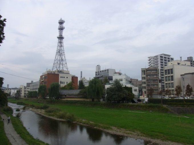 秋の盛岡中津川