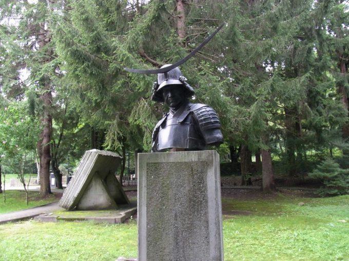 仙台市博物館横初代伊達政宗公胸像