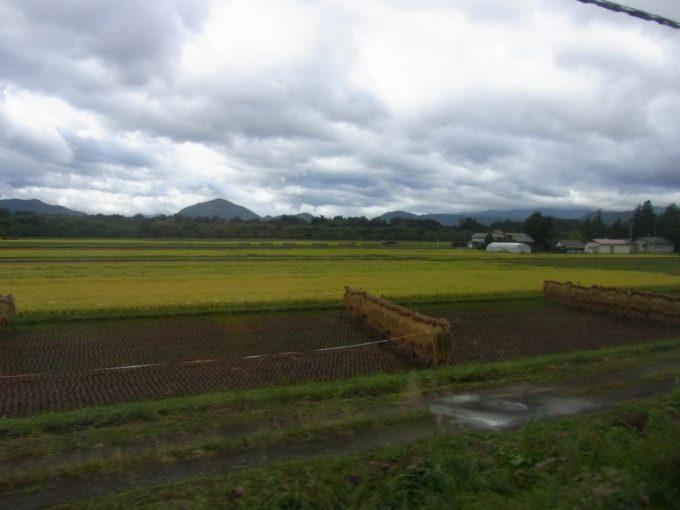 秋田新幹線こまちより眺める実りの秋