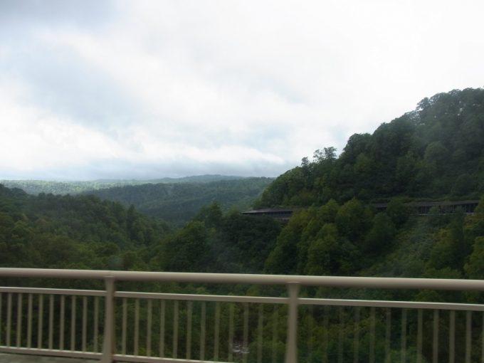 羽後交通バスは標高を上げ玉川温泉へ