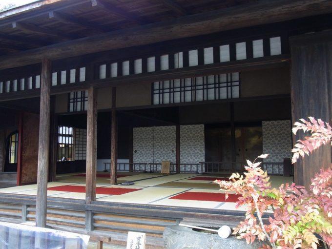 熊本水前寺公園味のある建物