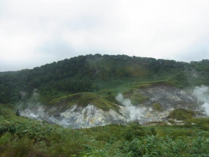 玉川温泉の噴煙地