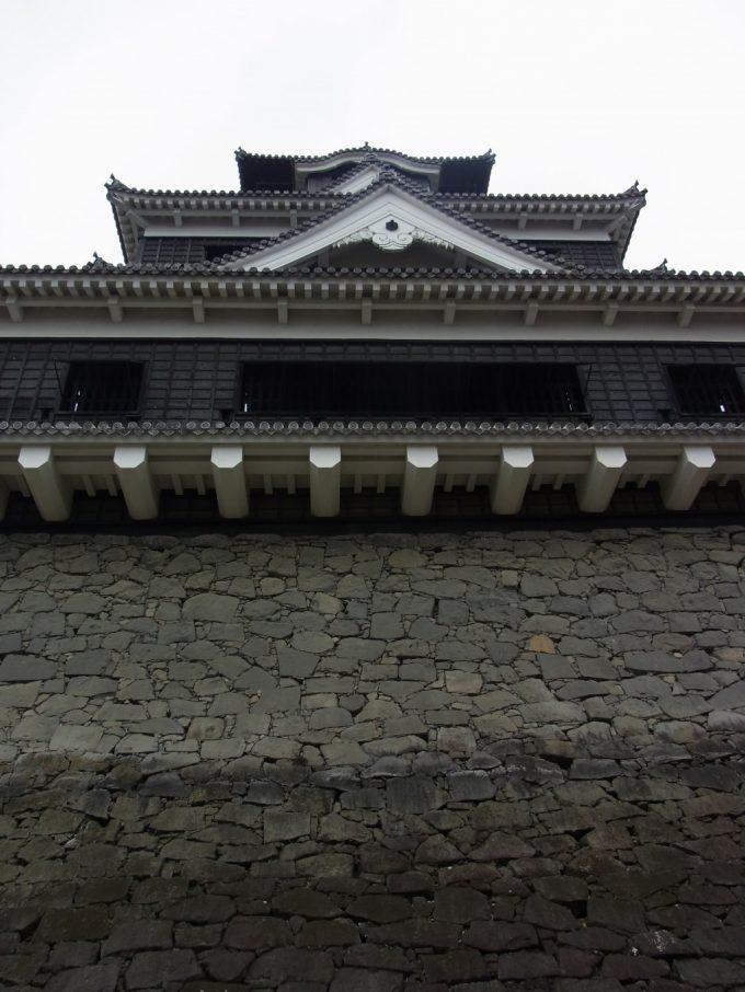 熊本城の重厚な姿