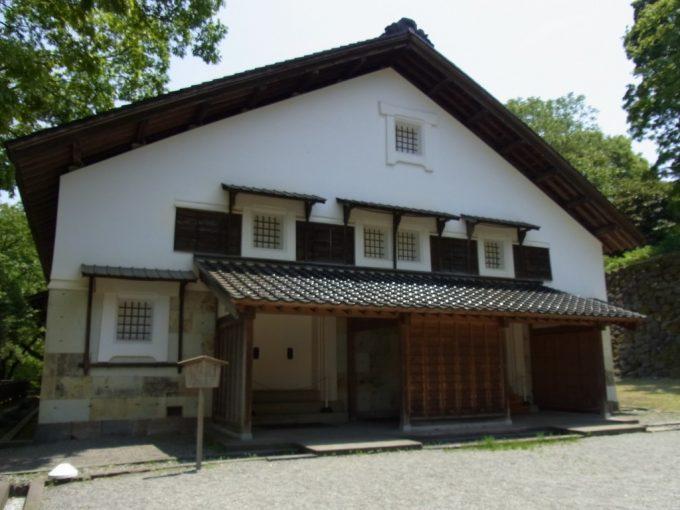 江戸時代から残る金沢城鶴丸倉庫