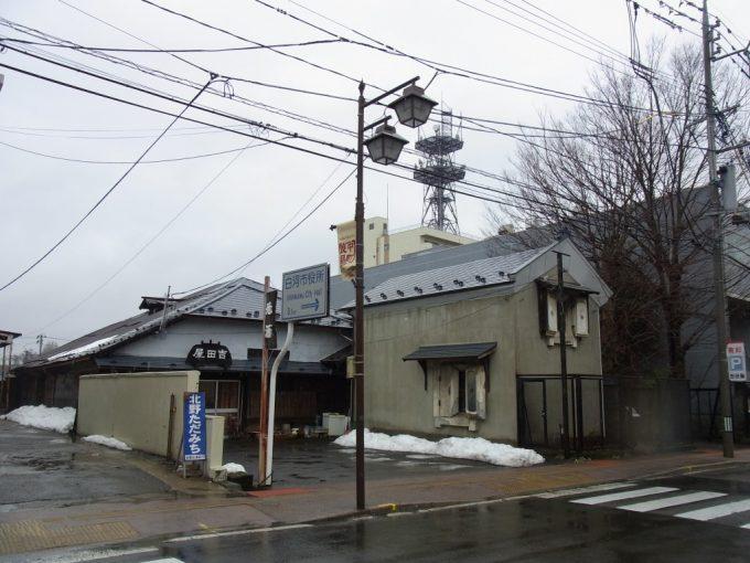 古き良き建物が残る白川の街並み