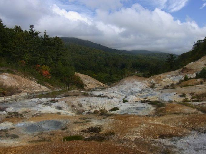 後生掛自然研究路見渡す限りの荒涼とした大地