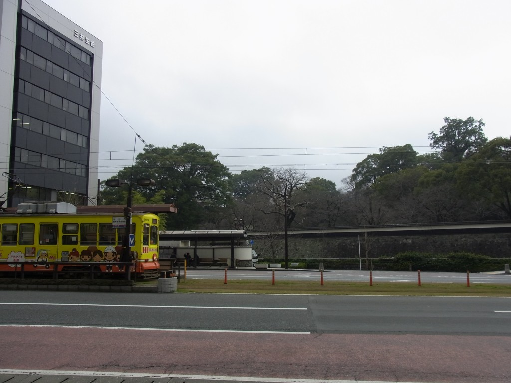 熊本市電と熊本城長塀