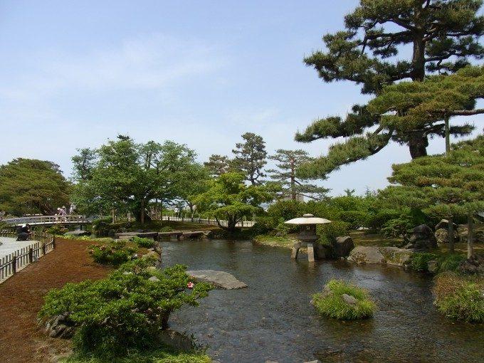 初夏の青空金沢兼六園