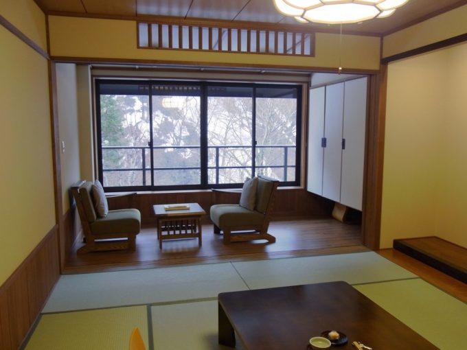秘湯甲子温泉大黒屋木の温もりを感じる落ち着いた客室