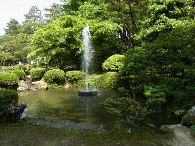 金沢兼六園日本最古の噴水