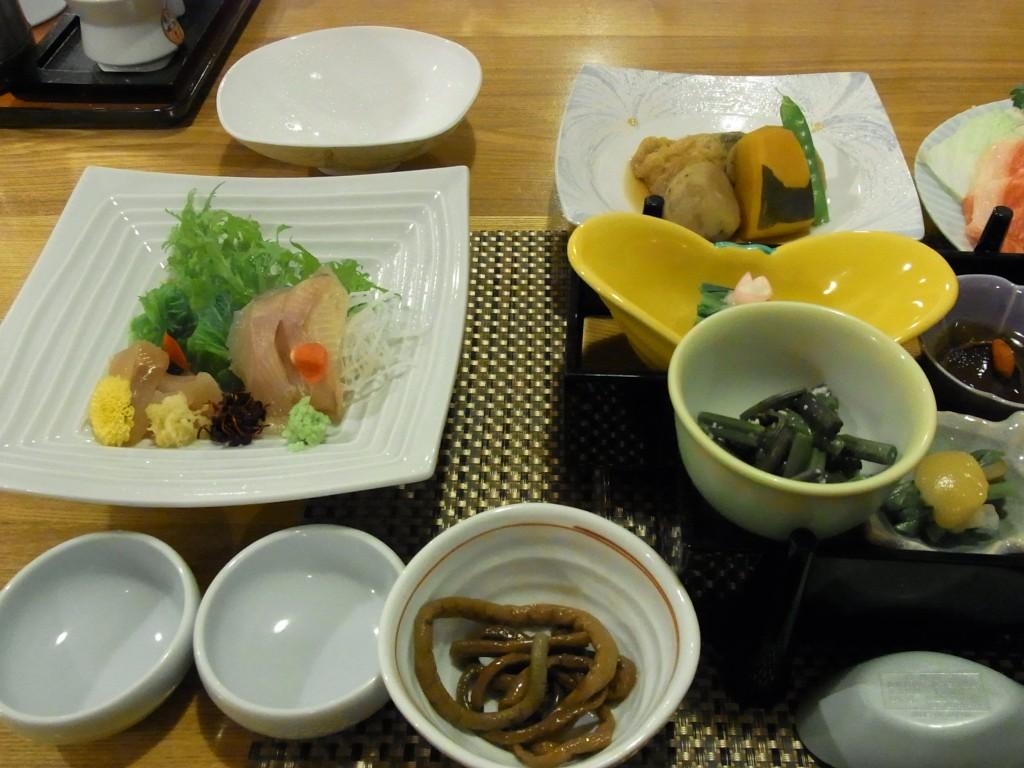 秘湯甲子温泉大黒屋前菜や岩魚と鱒のお造り