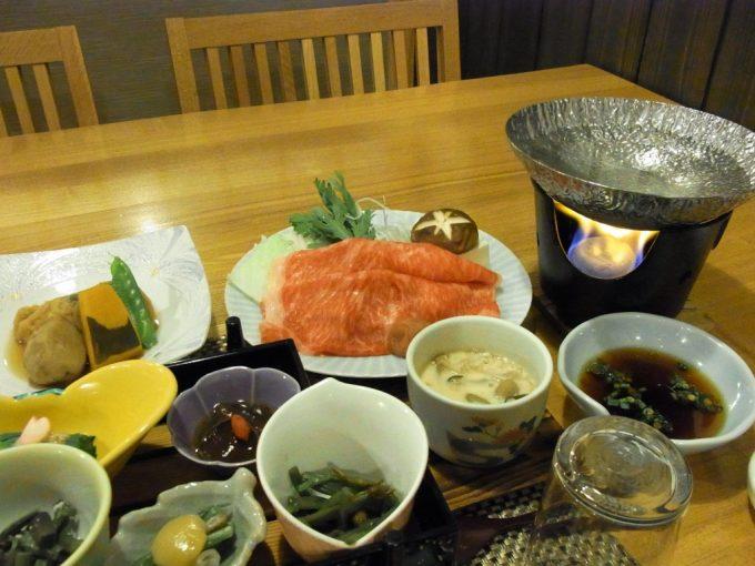秘湯甲子温泉大黒屋さーろいんしゃぶしゃぶときのこ茶わん蒸し