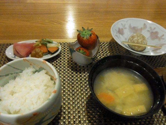 秘湯甲子温泉大黒屋ご飯と野菜の呉汁