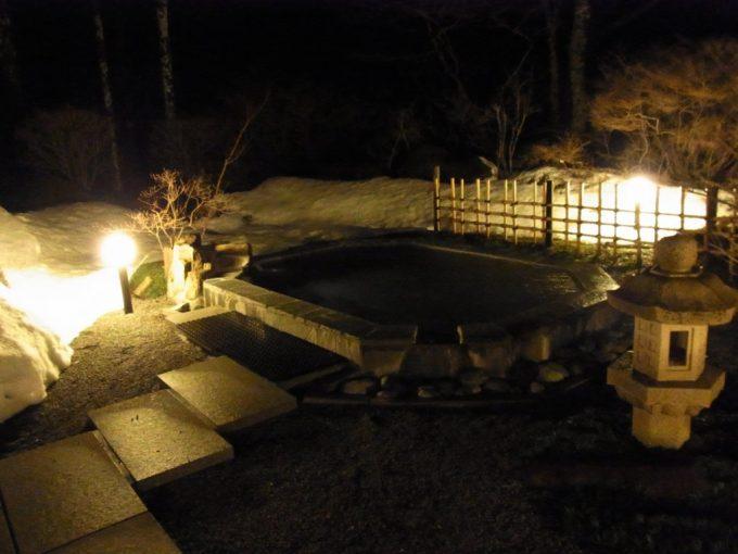 秘湯甲子温泉大黒屋夜の露天風呂