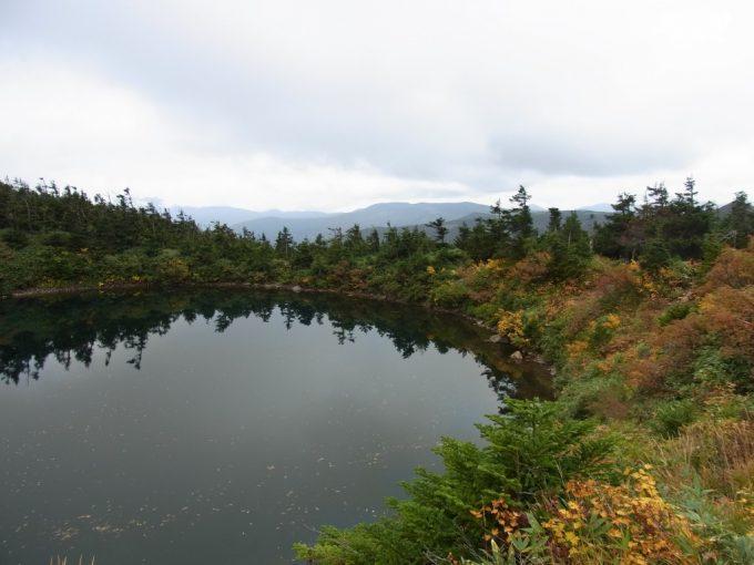 秋の八幡平鏡沼
