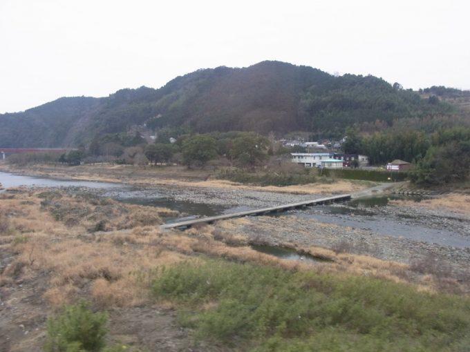 久大本線特急ゆふいんの森Ⅰ世から眺める沈下橋