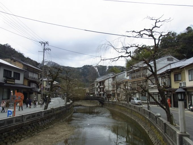 城崎温泉の象徴太鼓橋