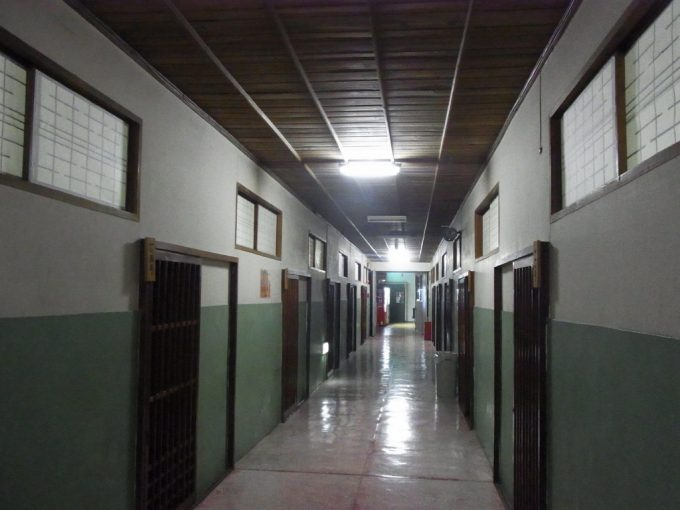鉛温泉藤三旅館湯治部独特な雰囲気特徴的な廊下