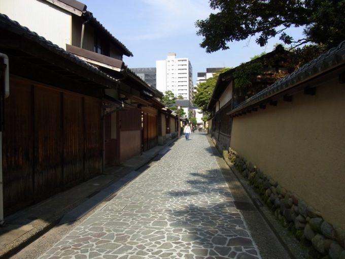金沢土塀の続く長町武家屋敷跡