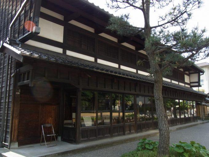江戸時代の薬屋金沢老舗記念館