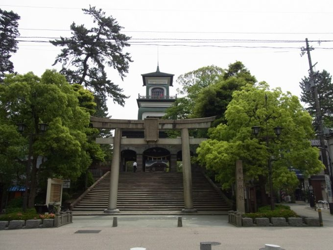 金沢尾山神社鳥居