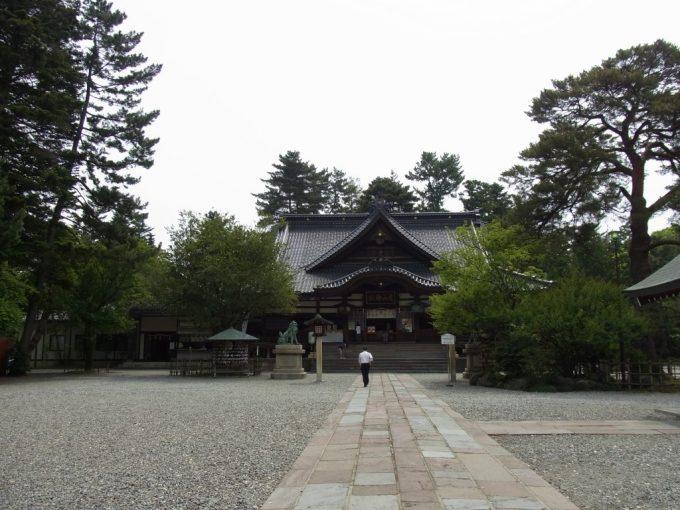 金沢尾山神社拝殿
