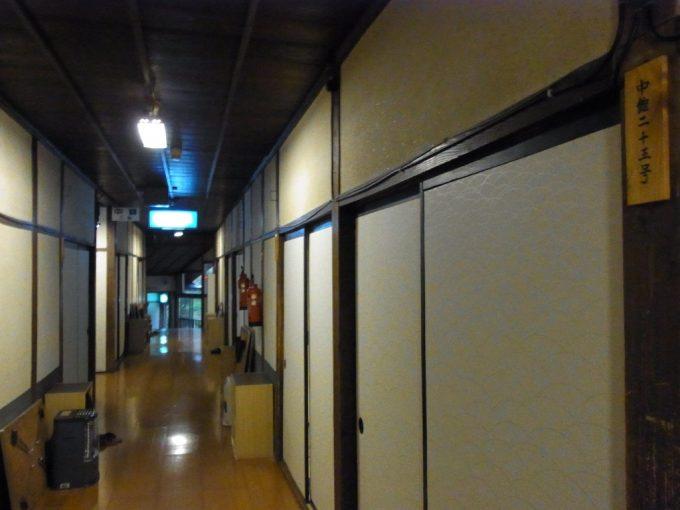 大沢温泉自炊部中舘2階の廊下