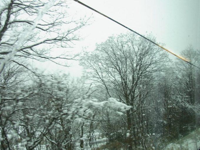 冬の山陰本線豪雪の車窓
