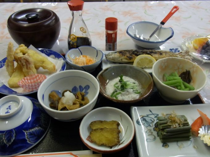 秋田乳頭温泉郷孫六温泉夕食