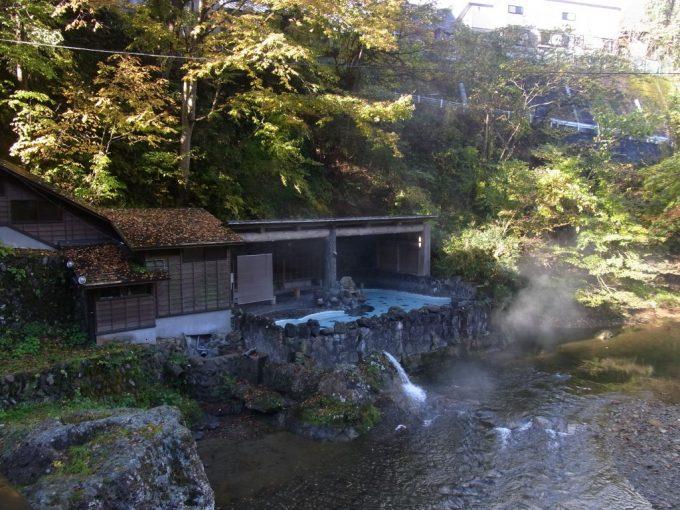 大沢温泉混浴露天風呂大沢の湯は週一回お湯を抜いて清掃