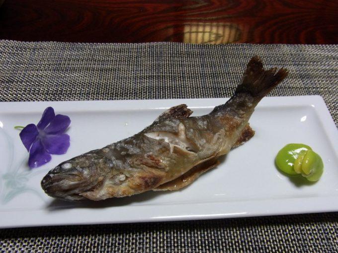 白川郷荻町集落旅館城山館岩魚の塩焼き