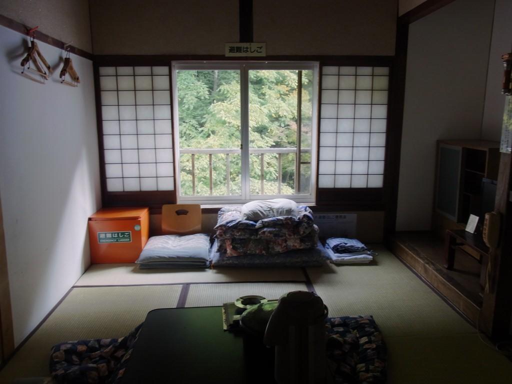 大沢温泉最後の朝部屋を片付けチェックアウト
