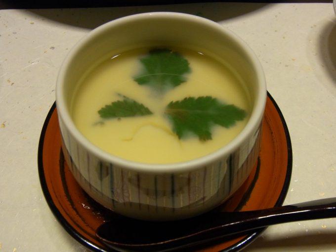 別府鉄輪温泉黒田や湯葉とろろ小茶碗蒸し銀餡かけ