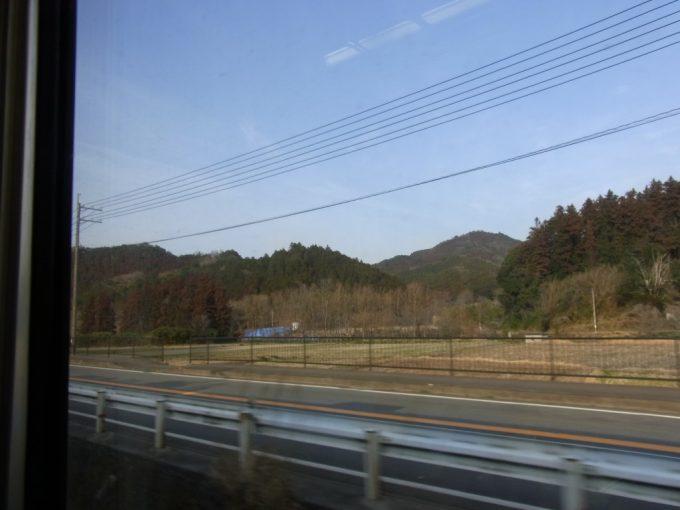 130km/hで疾走する日豊本線特急ソニック流れる車窓