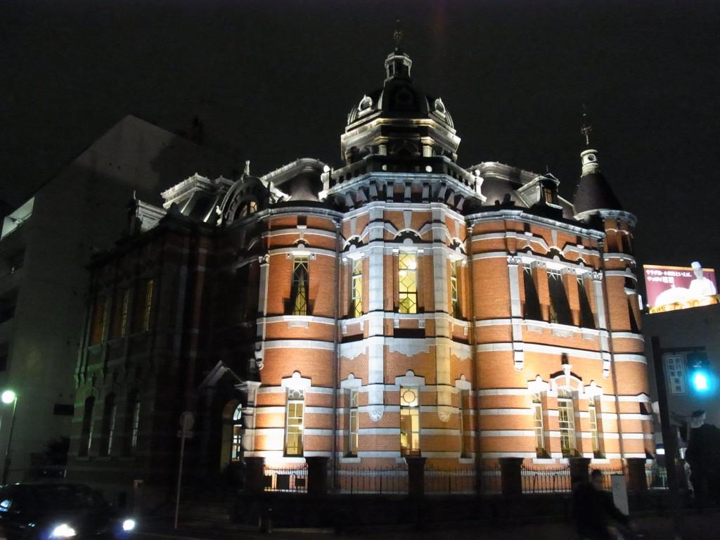 ライトアップされた福岡市赤煉瓦文化館