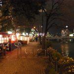 無数の屋台が並ぶ夜の博多中洲
