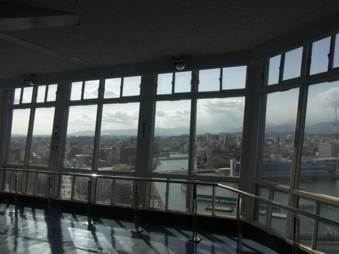 博多ポートタワーから眺める冬晴れの中洲の街並み
