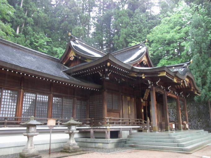 飛騨高山櫻山八幡宮本殿