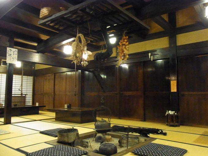 奥飛騨温泉郷新平湯温泉旅館藤屋味わい深い百姓屋敷