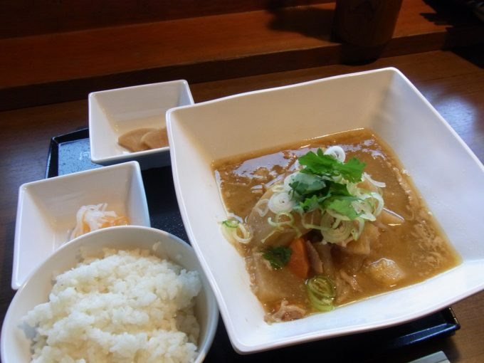 河童食堂豚汁定食五千尺ホテル伝統の味