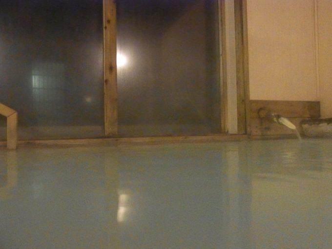 乗鞍高原温泉山水館信濃静かな夜白濁の湯