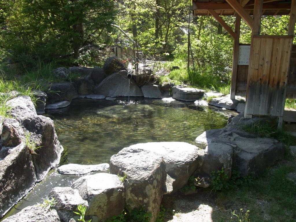 信州秘湯中房温泉月見の湯